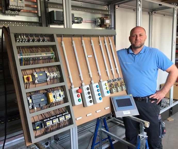 Bild zur Ausbildung zum Elektroniker